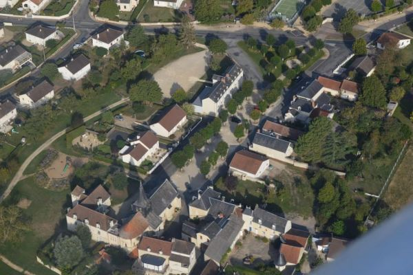 bourg-place-1-jpg-1200x675C8629884-792D-351D-B83A-4AF1FBC7E935.jpg